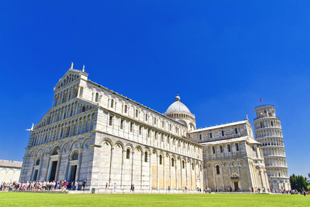 piazza dei miracoli: Piazza dei Miracoli complex with the leaning tower of Pisa