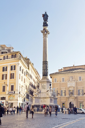 Spagna: ROME, ITALY, November 25, 2011: Column of the Immaculate Conception is a nineteenth-century monument in central Rome, located in what is called Piazza Mignanelli, but is only the south west extension of Piazza di Spagna