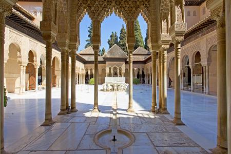 Patio de los Leones, Patio of the Lion, in the Palacios Nazaries. Alhambra, Granada, Andalucia, Spain.