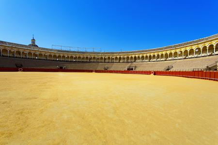 有名なプラザ・デ・トロス、闘牛場、セビリア、アンダルシア、スペイン 写真素材