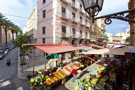 Aerial view of the Capo market in Palermo, Sicily Banque d'images