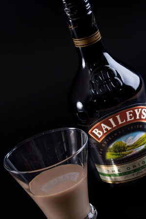 liqueur labels: Baileys Irish Cream