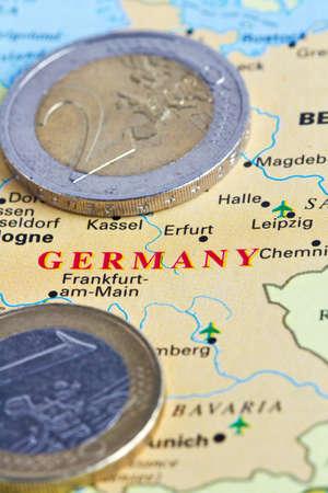 e u: Germany and the euro