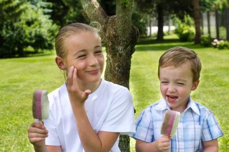 eating ice cream: Kids eating Ice Cream