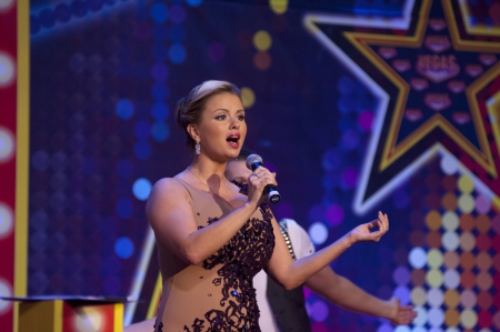 moll: MOSCOW - NOVEMBER 4: Anna Semenovich sing on a performance dedicated to the second anniversary of open largest Moll in Europe VEGAS on November 4, 2012 in Moscow, Russia Editorial