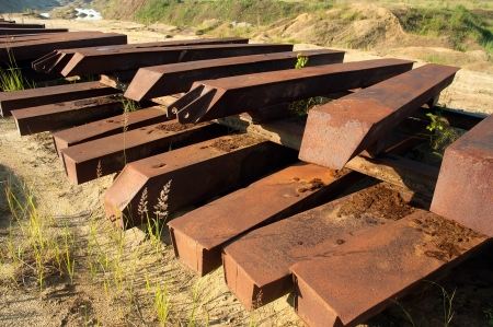 remount: Metal sleepers on sand mine field for quick remount