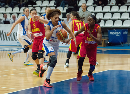 maccabi: MOSCOW - DECEMBER 4, 2014: Katerina Keyru (4) dribble during the International Europe bascketball league match Dynamo Moscow vs Maccabi Ashdod Israel in sport palace Krilatskoe, Moscow, Russia. Dynamo loss 59:67