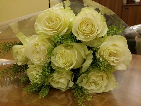 white: White rose wedding