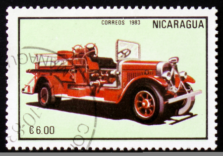 estampilla: MOSCOW, RUSSIA - FEBRUARY 12, 2017: A stamp printed in Nicaragua shows firetruck, series, circa 1983