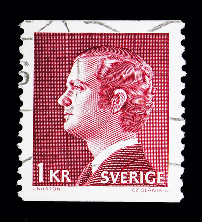 MOSCOW, RUSSIA - MAY 10, 2018: A stamp printed in Sweden shows King Carl XVI Gustaf, serie, circa 1974 報道画像