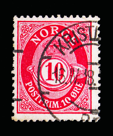 MOSCOW, RUSSIA - MAY 13, 2018: A stamp printed in Norway shows Posthorn – New Die, 10 Ore due, serie, circa 1909 Editorial