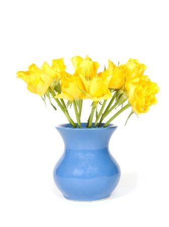 florero: bouquet hermoso colorido amarillo rosas en florero aislados sobre blanco