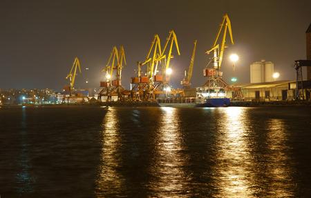 unloading: loading and unloading terminal at the port, cranes, coal, wagon, cargo, cargo terminal