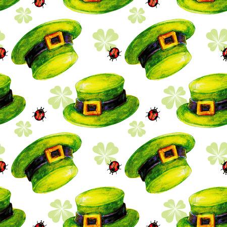 Print design: Seamless pattern with leprechaun hat and ladybird