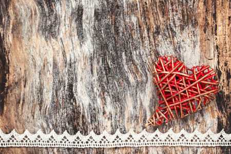 encaje: Valentines Day heart on wooden background. Copy space, toned Foto de archivo