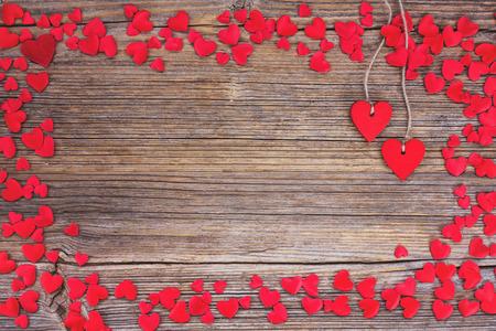 Valentines Day achtergrond met rode harten. Afgezwakt, soft focus