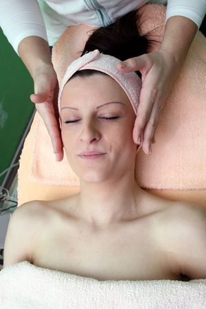 image of yuong girl that enjoy face massage