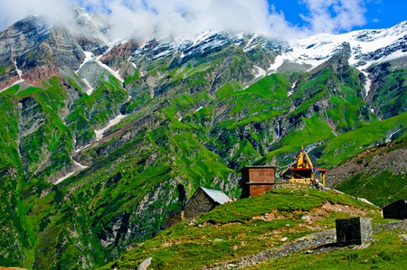 house of prayer: Indian Himalaya landscape with small tibetian buddhist temple and village buildings. India, Himachal Pradesh, Rohtang Pass Stock Photo