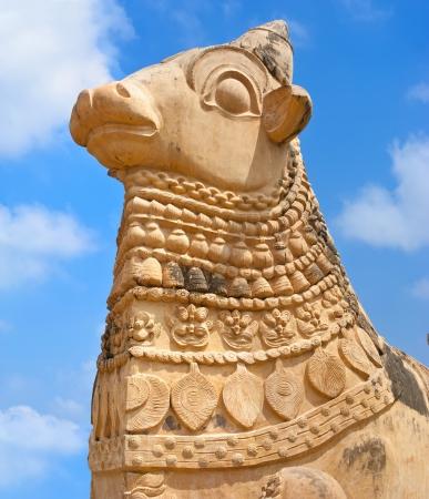 nandi: Big statue of Nandi Bull in front of Hindu Gangaikonda Cholapuram Temple. In Hinduism Nandi is a Shiva vehicle. South Indian architecture. India, Tamil Nadu, Thanjavur (Trichy) Stock Photo