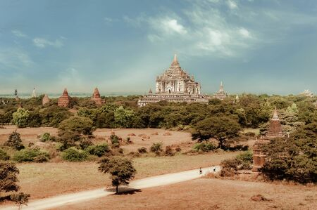Travel landscapes and destinations. Amazing architecture of old Buddhist Temples at Bagan Kingdom, Myanmar (Burma) 版權商用圖片