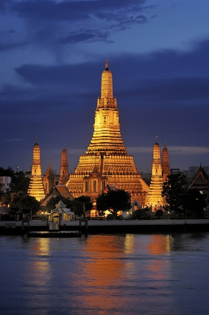 Buddhist temple (wat) in the Bangkok Yai district of Bangkok, Thailand Stock Photo