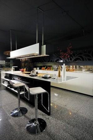 Modern Black&White Kitchen