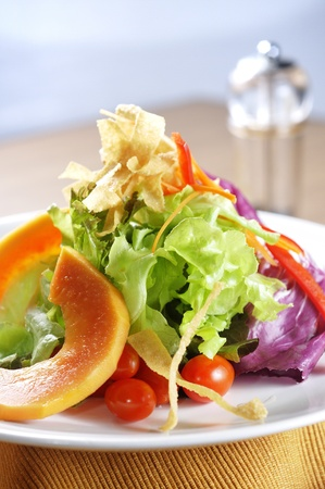Healthy salads include tomato, cabbage, lettuce,  papaya and carrot.