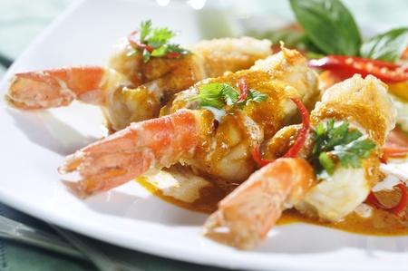 Red curry shrimp fried