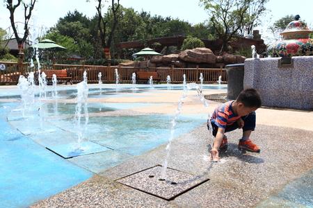 theme park: Music fountain at Nanchang Wanda theme park