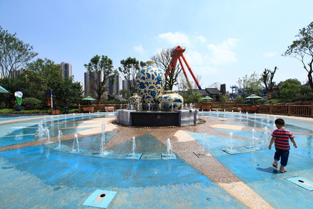 theme park: fountain at Nanchang Wanda theme park