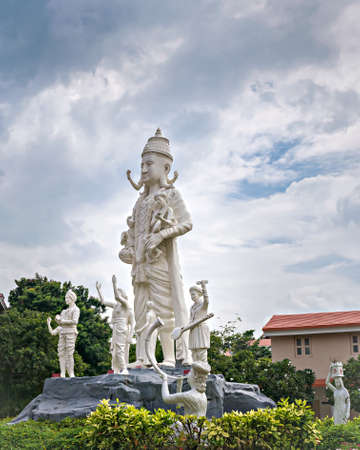 A huge statue of Lord Viththla in Anandsagar Bhakt Niwas Sankul in Shegaon famous for Shree Gajanan Maharaj temple.