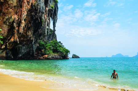 phra nang: cliff at Ao Phra Nang Beach in Krabi, Thailand