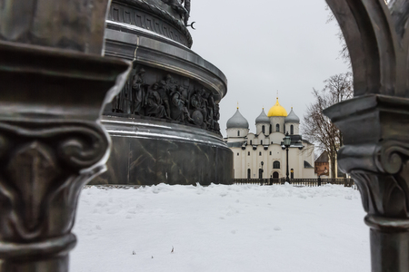 Saint Sophia Cathedral behind The Millennium of Russia bronze monument in winter Veliky Novgorod, Russia 版權商用圖片 - 115050886
