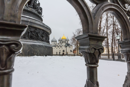 Saint Sophia Cathedral behind The Millennium of Russia bronze monument in winter Veliky Novgorod, Russia Standard-Bild