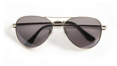 rimmed: Gafas de sol con montura de metal, aisladas sobre fondo blanco,