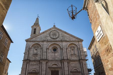 pienza: PIENZA, TUSCANY-ITALY, OCTOBER 30, 2017: Old Town of Pienza, Tuscany, Italy. Historic Cathedral in the city center on Plaza de Pio II.