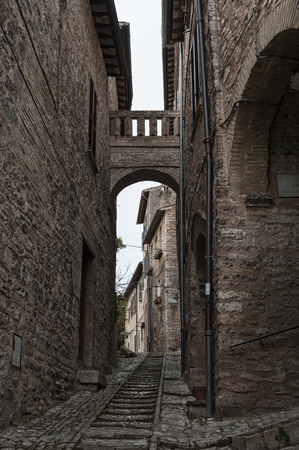 Spectacular traditional italian medieval in the historic center of Spello (Perugia), in the Umbria region - central Italy 免版税图像