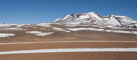 Altiplano of the Siloli desert, part of the Reserva Eduardo Avaroa, Bolivia - at an altitude of 4600m near the border of Chile and the Atacama desert, South America Imagens