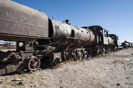 Rusty old and abandoned train at the Cementerio de Trenes in Uyuni desert, Bolivia - South America 版權商用圖片