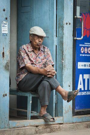 BHAKTAPUR, NEPAL AUGUST 13, 2018: Unidentified Nepalese Newari man in Bhaktapur, Nepal Publikacyjne