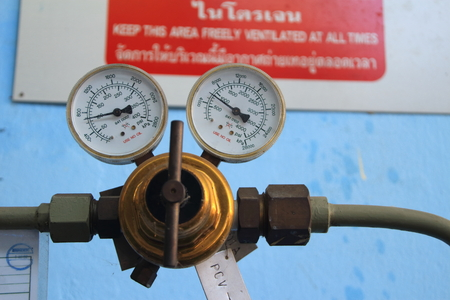 Pressure gauge for measuring pressure in the Nitrogen system Banco de Imagens