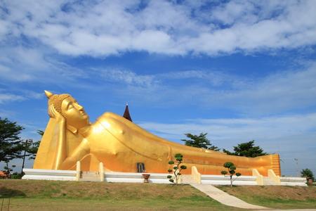 lie down:  lie down buddha at Memorial Loyalty, Phra Nakhon Si Ayudhya