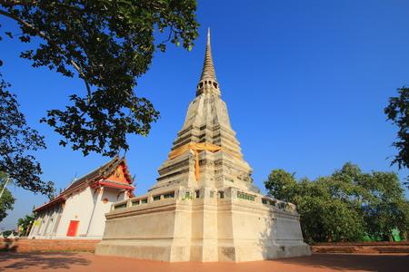 bang pa in: stupa and temple at prod sat, Bang pa In, Ayutthaya