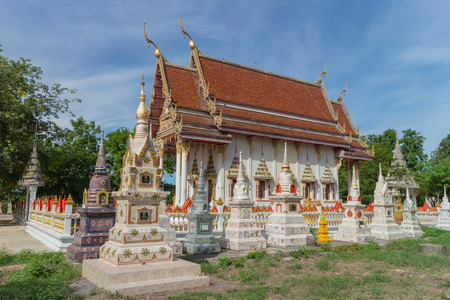 place of worship: Place of worship with sky background at Wat Khao Noi Chom Sawan