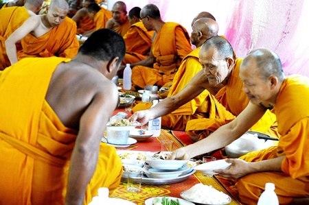adulyadej: Thai monks.