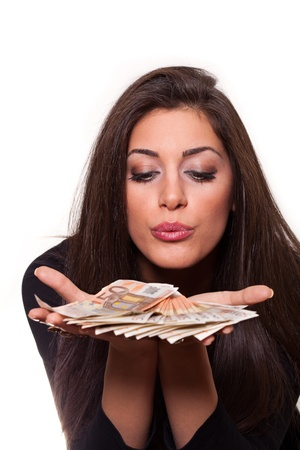 美しい若い女の子からユーロのお金のお金を獲得する最善の方法