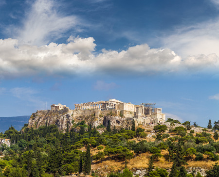 democracia: Vista del templo del Parten�n en la Acr�polis de Atenas, Atenas, Grecia Foto de archivo