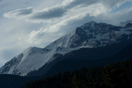 Storm Clouds over Rocky Mountains Banque d'images