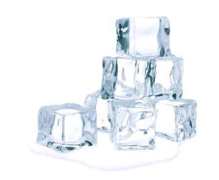 ice cube: Ice cubes isolated on white background