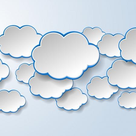 Abstract wit papier tekstballonnen op lichtblauwe achtergrond. Cloud services concept.